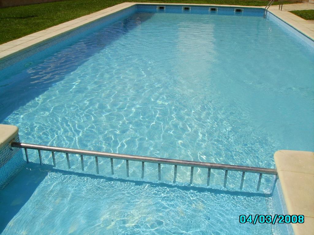 Separador de piscines d'alumini a Tancaments Metàl·lics Pedro